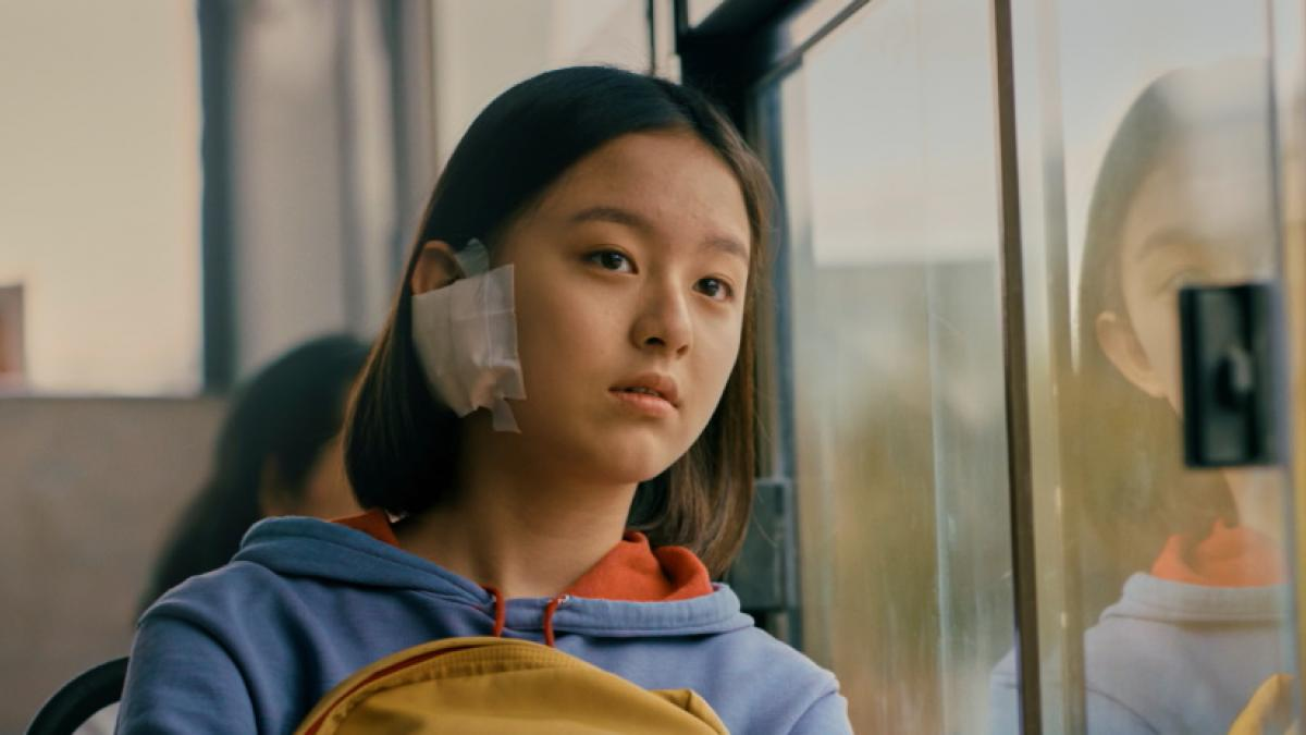 Park Ji-hu is a girl navigating early adolescence in mid-90s Seoul in Kim Bora's 'House of Humminbird'.